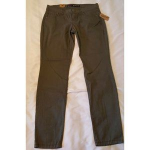 *5/$20* NWT Junior's Size 11 Low Rise Skinny Pants